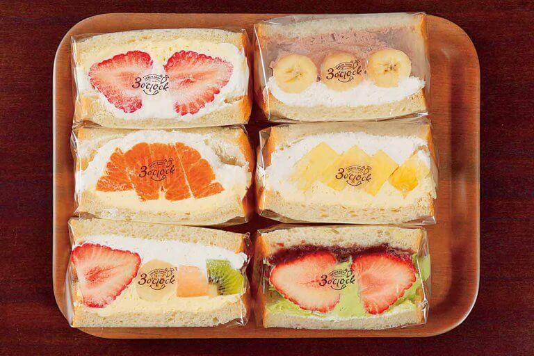 フルーツごろごろで食べ応え抜群!常時7〜10種のフルーツサンドにタピオカドリンクも「弥彦おもてなし広場」内に新店