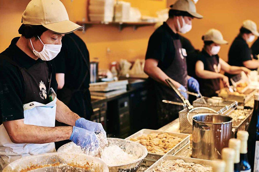 村上に唐揚げ専門店 芳醇な醤油のコクとザクザク食感の特大唐揚げはリピート必至の画像3