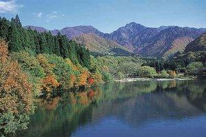 【2020年版】定番の名所から穴場まで!新潟県の紅葉スポット53選の画像45