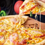 宅配&テイクアウトのピザ店が新発田に 自家製生地で作る9種のピザはボリューム満点のメイン画像