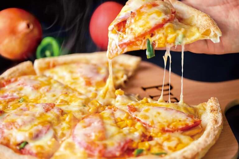 宅配&テイクアウトのピザ店が新発田に 自家製生地で作る9種のピザはボリューム満点