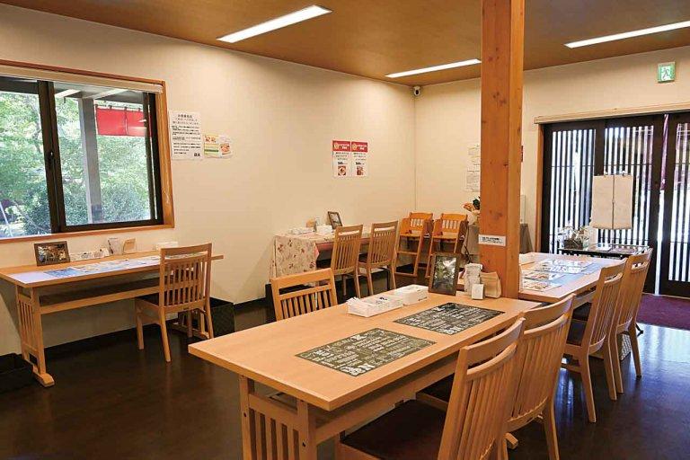 長岡市もみじ園内に和カフェ新店 軽食とともに紅葉を楽しんでの画像3