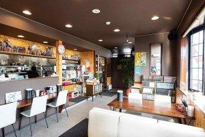 平打ち手もみ極太麺の背脂らーめんが看板 燕系ラーメン店が長岡市中心部から越路エリアへ移転の画像3