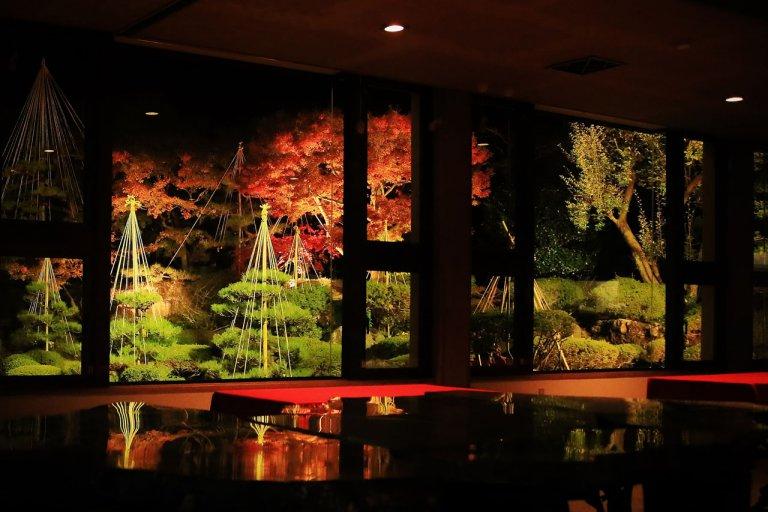 【2020年版】新潟県 紅葉の名所ライトアップ情報 情緒たっぷりの優美な世界へ