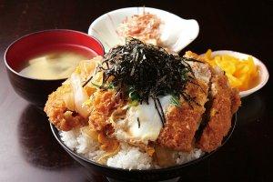 コスパ最強!大盛り・デカ盛りメニューが食べられる新潟の食堂14選の画像6