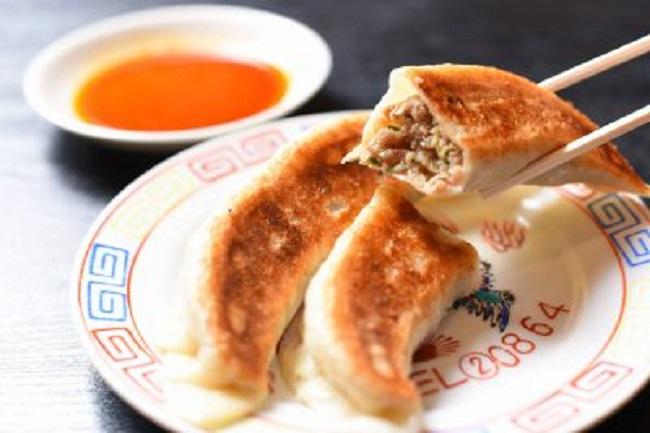 中国料理 味楽(みらく)/衝撃の大きさ!加茂市の味楽の「大餃子」を食べてきました!