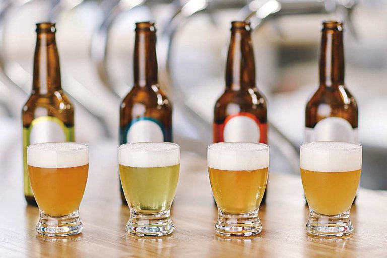 TSUKIOKA BREWERY(ツキオカブルワリー) キッチンGeppo(キッチンゲッポ)/月岡温泉に飲食店併設のクラフトビール醸造所 月岡温泉をイメージしたエメラルドビールも