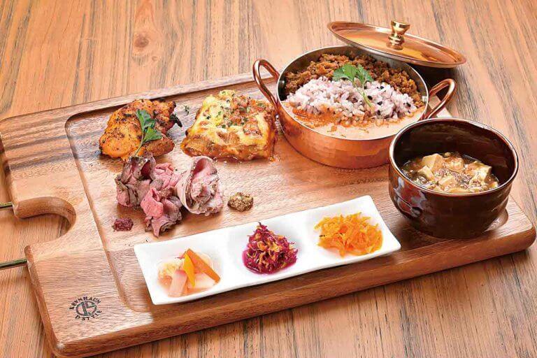 Kitchen bajill & friend(キッチンバジルアンドフレンド)/エゾシカを使ったカレーが評判 エスニック料理のキッチンカーが新発田で実店舗をオープン