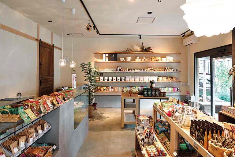 スタッフが厳選した国内外の珍しい食品を販売&イートインでも 「ciracasi」新潟市西区五十嵐中島にオープン