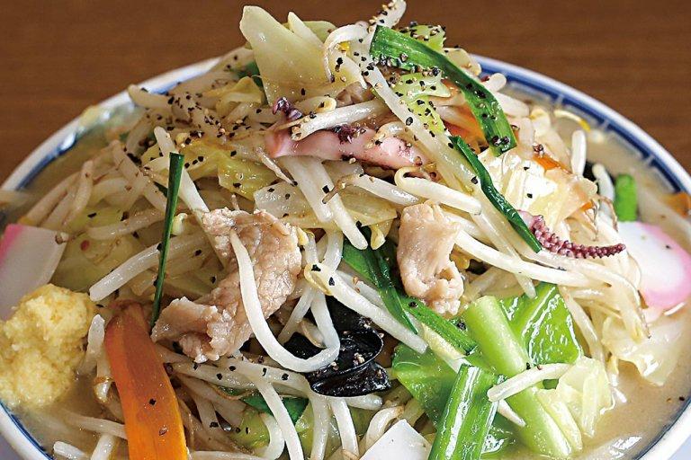 麺を覆い隠すほど野菜てんこ盛り!新潟の「野菜ましラーメン」6選の画像9