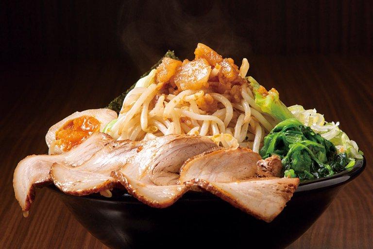麺を覆い隠すほど野菜てんこ盛り!新潟の「野菜ましラーメン」6選のメイン画像
