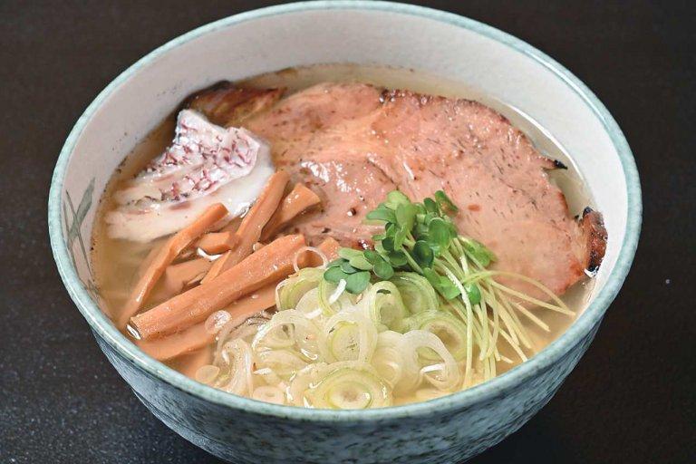 湯沢町に多彩なメニューのダイニング「GO TO KU 〜礼〜」 定食やラーメンのほかアルコールが進む一品料理もの画像3