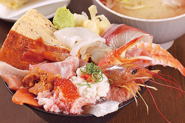 Sushi&Kappou 新海(シンカイ)/旬の魚介を手頃な価格で! テイクアウトもおすすめの画像2