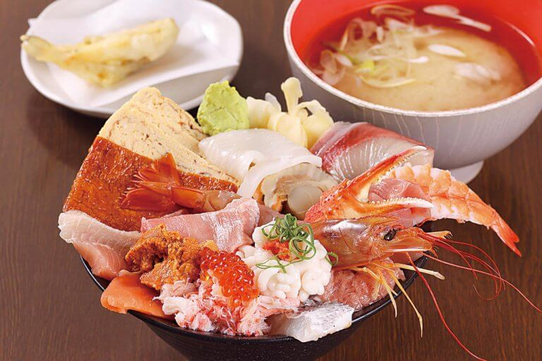 Sushi&Kappou 新海(シンカイ)/旬の魚介を手頃な価格で! テイクアウトもおすすめのメイン画像