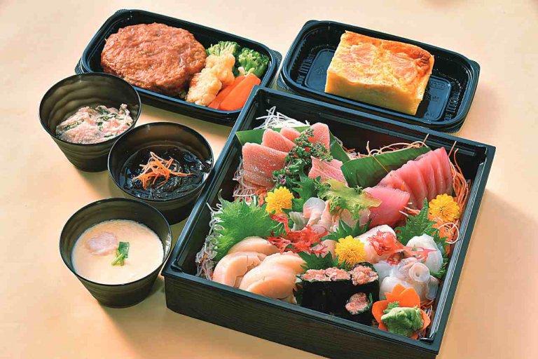 鮮度抜群の刺し身から手作り惣菜や弁当が並ぶ店「竹仙(タケセン)」が新発田市にオープン