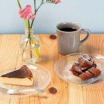 miroir cafe(ミロワール カフェ)/弁天線沿いに小さなカフェがオープン 木の温もり感じる空間でケーキや軽食をのメイン画像