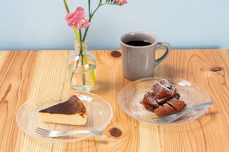 miroir cafe(ミロワール カフェ)/弁天線沿いに小さなカフェがオープン 木の温もり感じる空間でケーキや軽食を