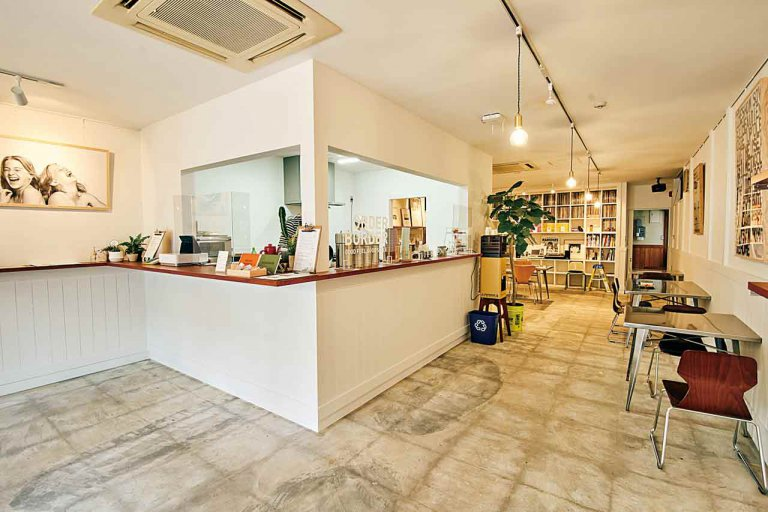 BBC Kamo Miyagemono Center(ビービーシー カモミヤゲモノセンター)/加茂市にアパレルブランド発のカフェがオープン オリジナルのあんこ菓子や調味料の販売も
