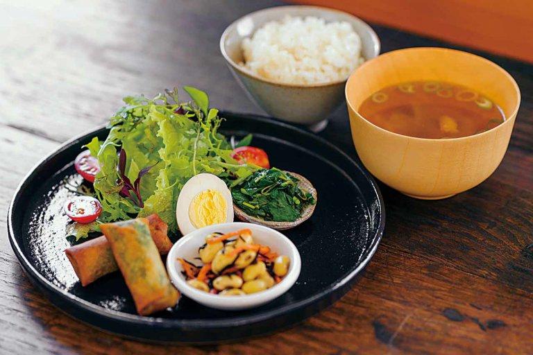 採れたての旬野菜を使ったランチ&デリのお店が秋葉区荻島にオープン!「はなの台所」夜は居酒屋営業も