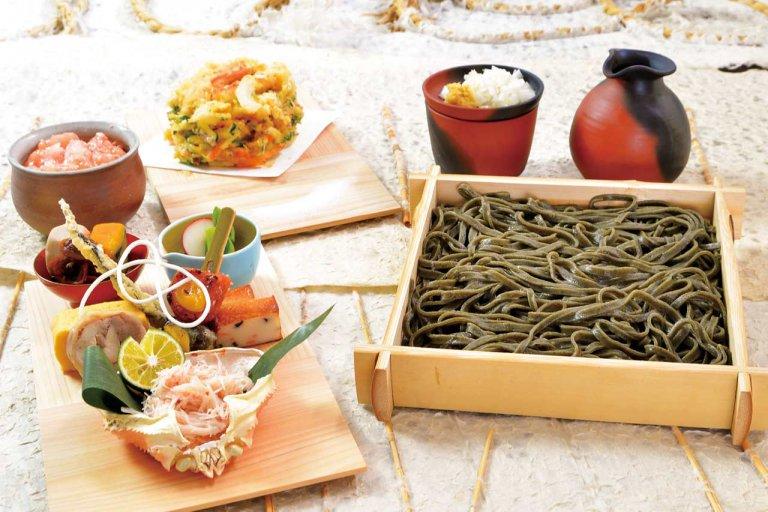 """東京都内で9店舗を展開する「僖成(キナリ)」が佐渡市に「佐渡うどん 蒼囲」をオープン!コンセプトは""""佐渡の美味いを表現するお店"""""""