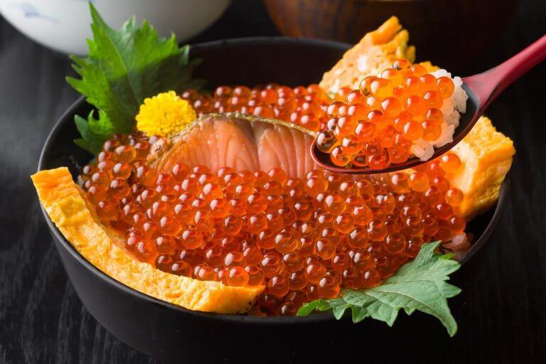 新潟が誇る秋の美味!はらこ(イクラ)丼が食べられる村上の人気店4選