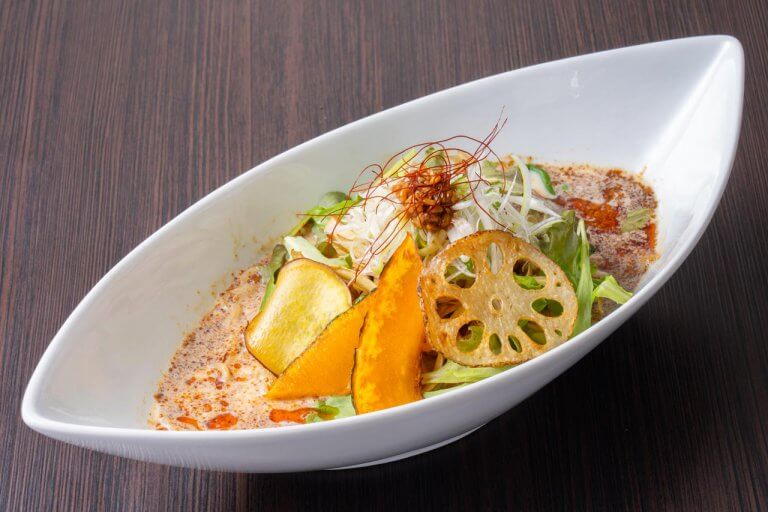地物野菜としょうゆ糀のうま味でおいしく減塩!「AKIHA 麺屋 粋翔」の豆乳担々麺