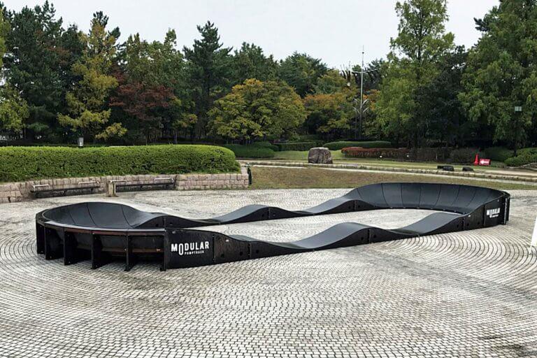 全長30m超!スケートボード、BMX、ストライダーが楽しめるパンプトラックが登場「鳥屋野潟公園 shumoku weekend park」10/24(日) 開催